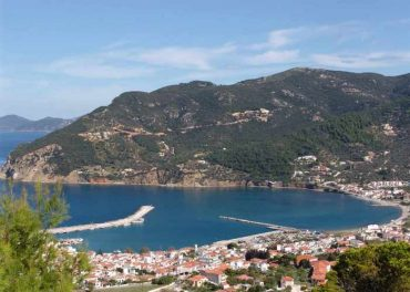 Plot with amazing views to Skopelos Town and port