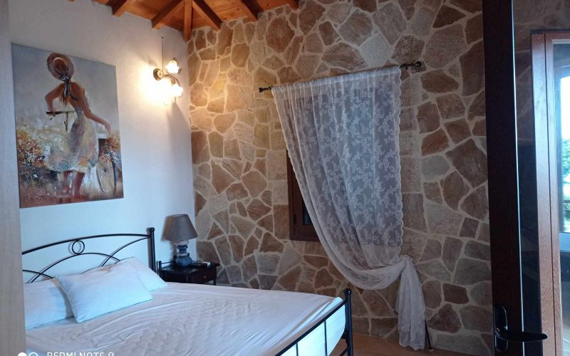 Wonderful villa with pool in Loutraki area with views Bedroom 2