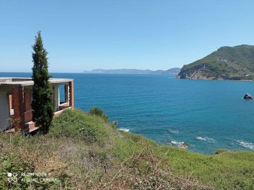 Unfinished property close to Skopelos Town with best views