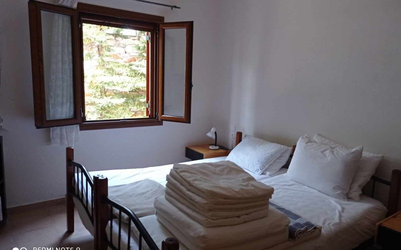 Wonderful villa with pool in Loutraki area with views Bedroom 3