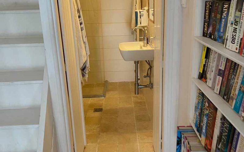 Traditional Renovated property inside Skopelos Town Bathroom