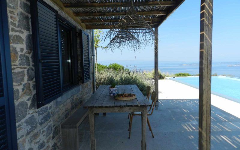 Cottage complex with pool and breathtaking views to the Sea. Terrace