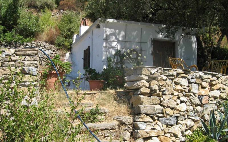 Villa with swimming pool and Views to Skopelos Town and port Small cottage (kalivi)