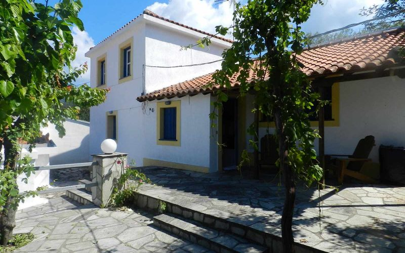 Traditional cottage in the area of Alikias