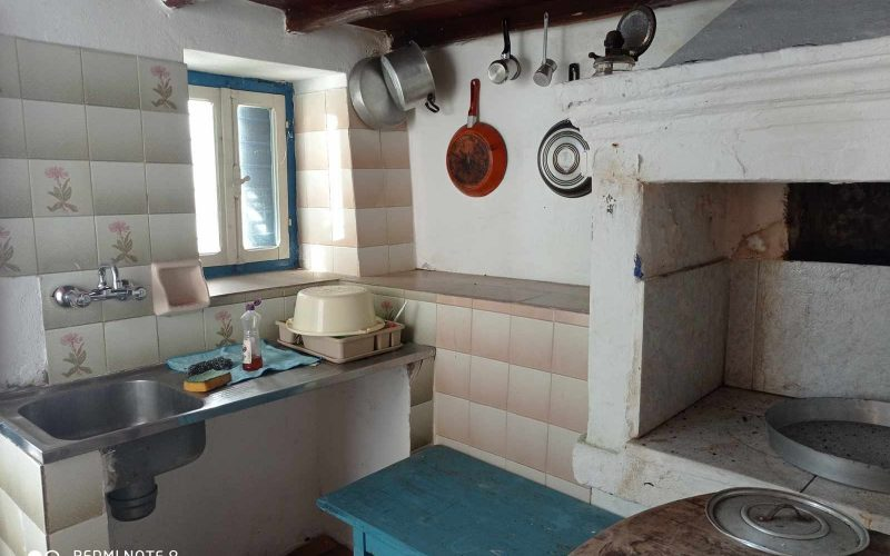 Traditional property in Skopelos Town with potential garden Kitchen