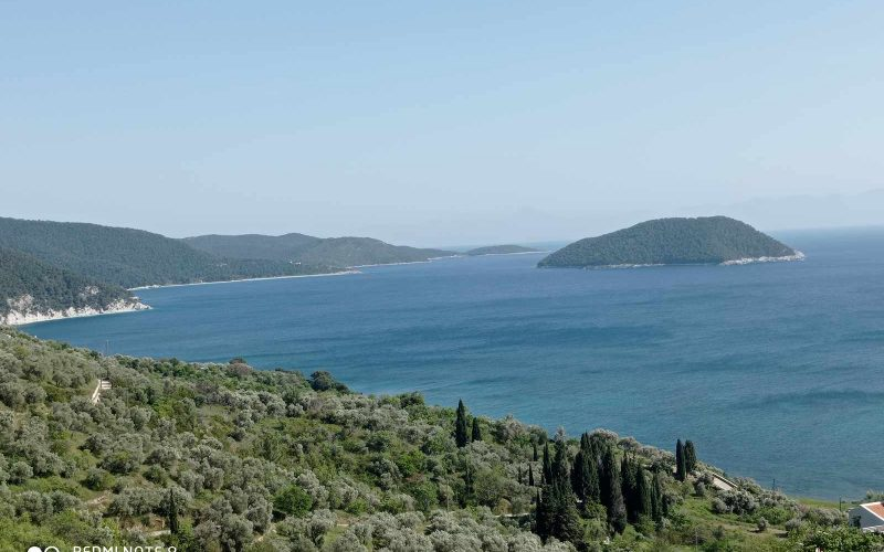 Buildable plot with views close to Armenopetra beach