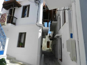 Small Town house in Skopelos Town