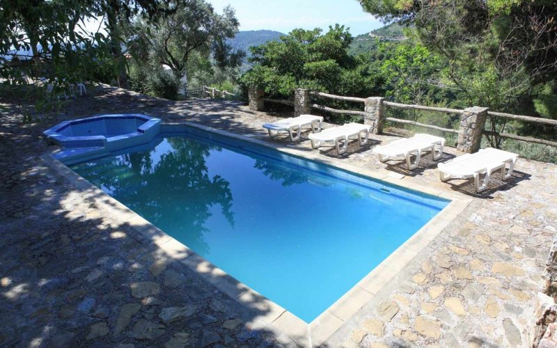 Complexe of cottages in Anania Swimming pool