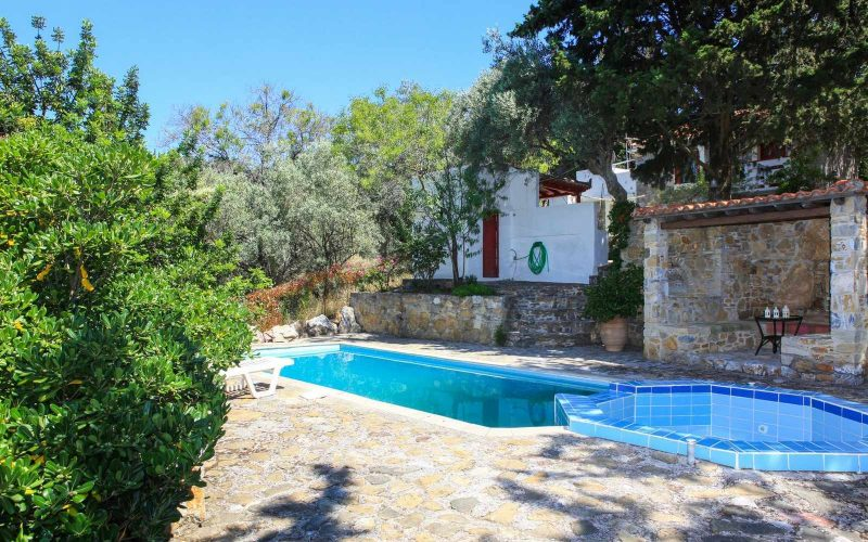 Complexe of cottages in Anania Swimming pool 2