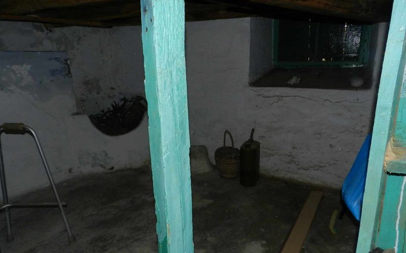 Traditional small house in Glossa village Cellar