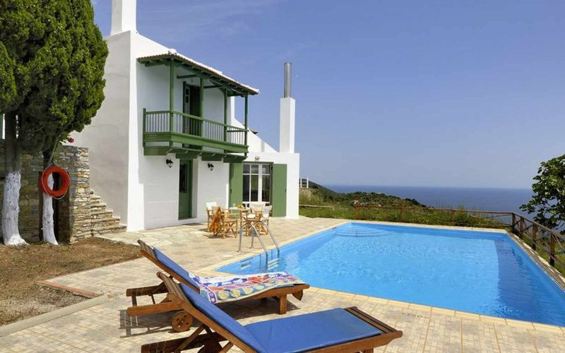 Cozy Villa with swimming pool and splendid views