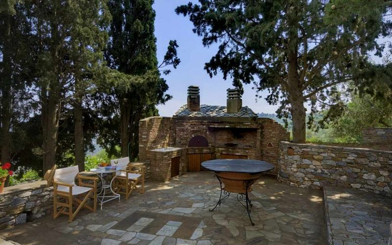 Cozy Villa with swimming pool and splendid views BBQ area