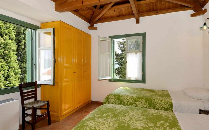 Cozy Villa with swimming pool and splendid views Top floor bedroom