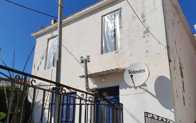 Two storey property in Glossa with spacious yard