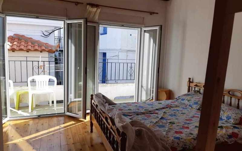 Cozy Skopelos Town house with balcony Bedroom