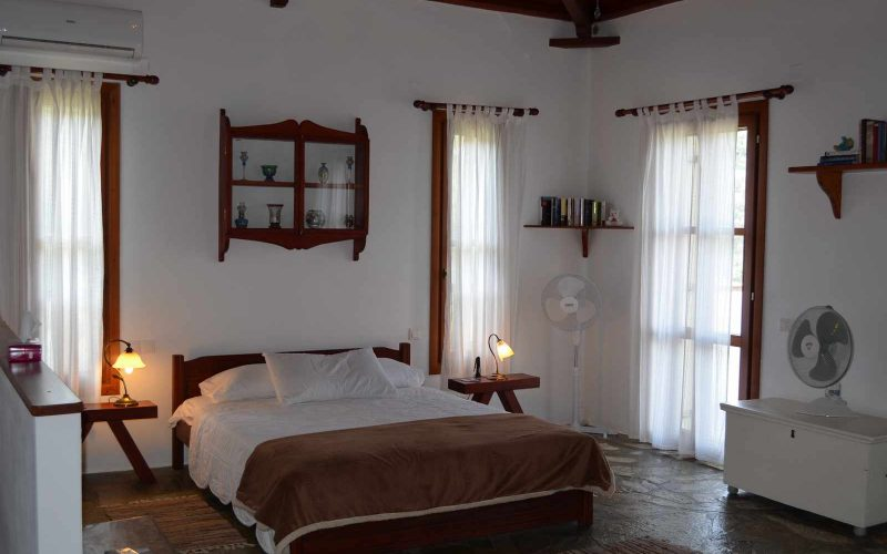 Villa with guest house close to Skopelos Town Bedroom
