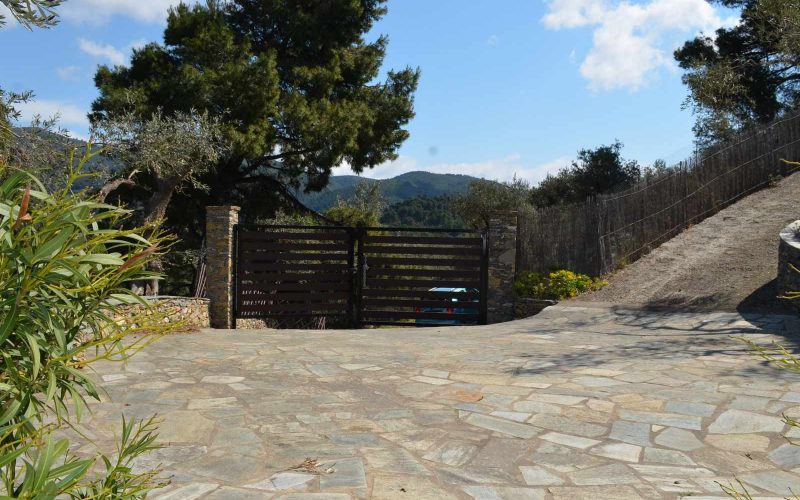 Villa with guest house close to Skopelos Town Private entrance
