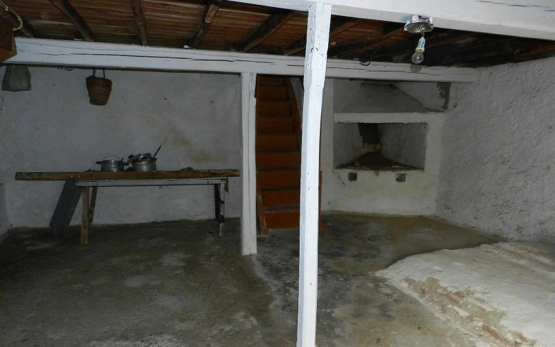 Traditional old property in Skopelos Town with private yard Ground floor