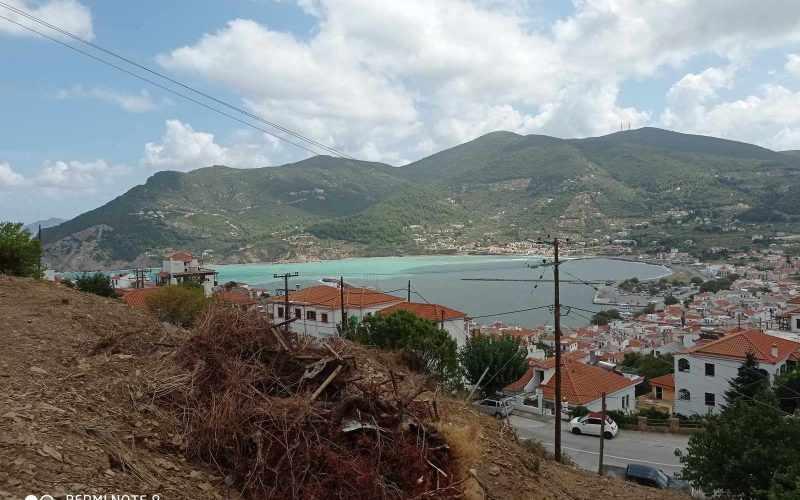 Spacious plot close to Skopelos Town with sea views