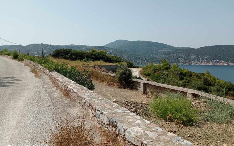 Plot with building permit close to Skopelos Town with views