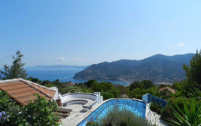 Villa with swimming pool and stunning views to the Sporades Islands