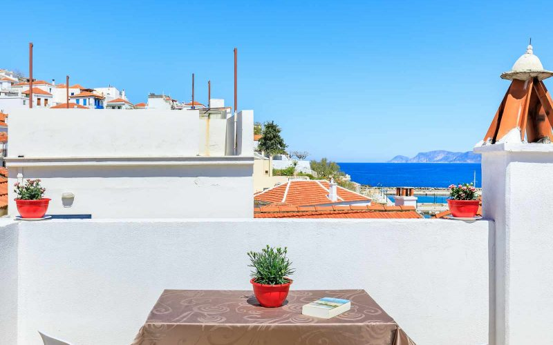 Traditional Town house with roof terrace and views Terrace