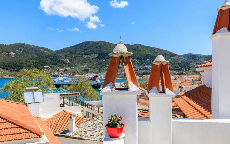 Traditional Town house with roof terrace and views Views