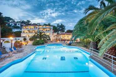 Exquisite Hotel for sale above Stafilos beach
