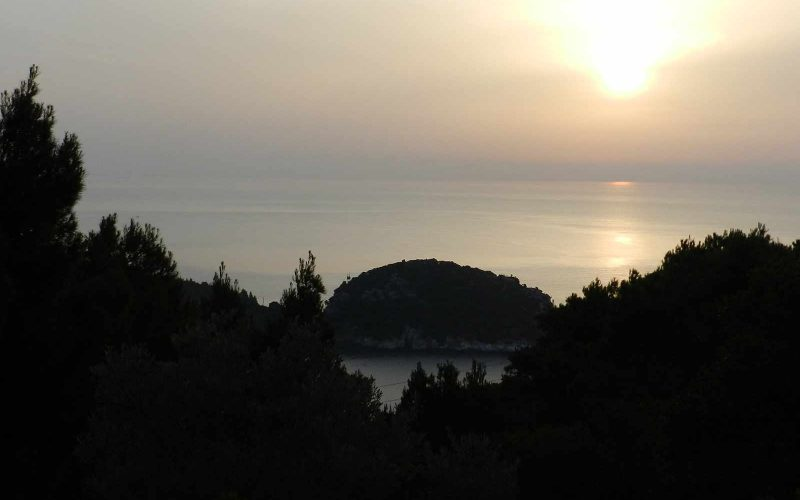 Unique Land with amazing views to Stafilos beach