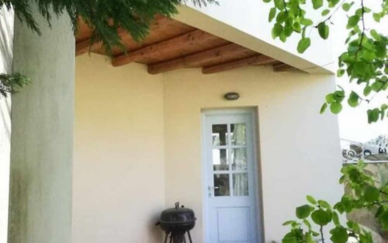 Property in walking distance to Agnontas beach Small balcony outside the kitchen
