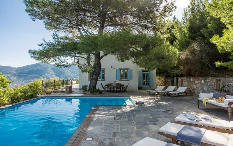Stylish Villa with views and swimming pool close to Skopelos Town The pool