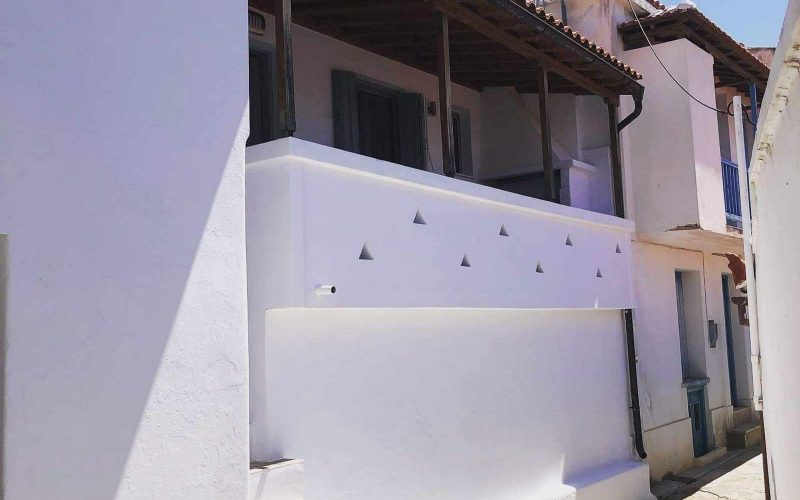 Pretty Town House with Terrace and views Front Balcony