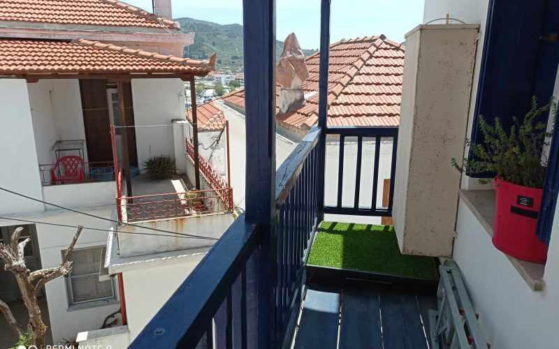 Traditional Renovated property inside Skopelos Town Balcony