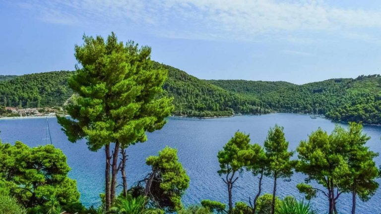 Plots of land for sale in Skopelos
