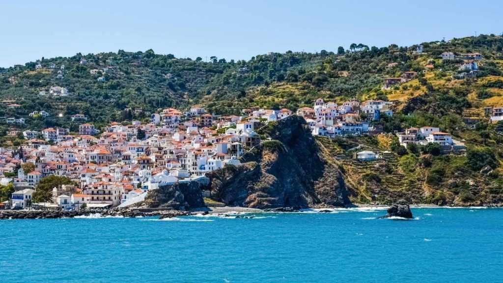 Skopelos luxury villas